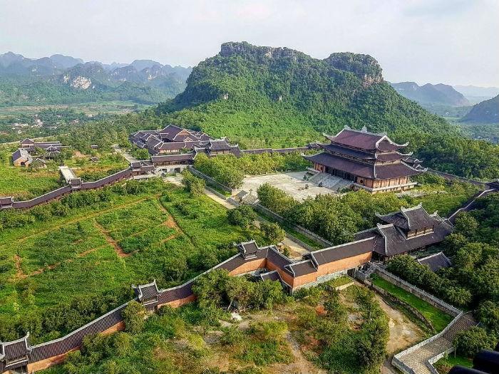 Bai-Dinh-Pagoda-in-ninh-binh-viet-nam