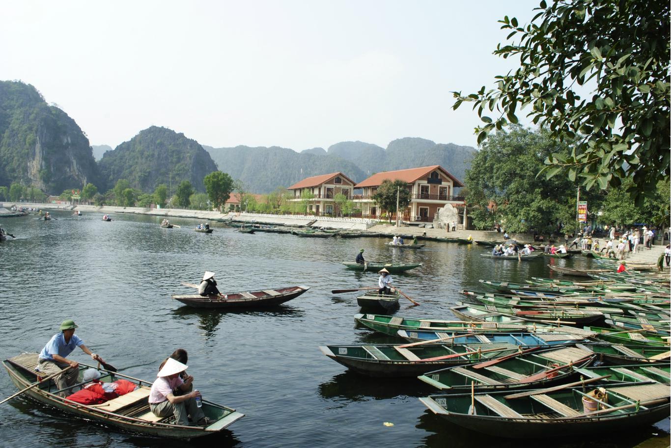 Many-rowing-boats-at-Tam-Coc-wharf-Ninh-Binh