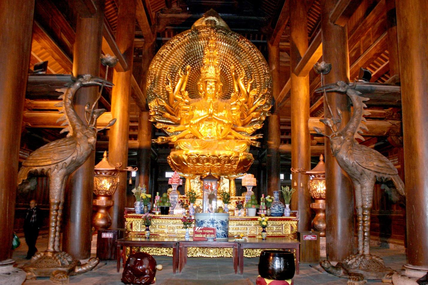 Statue-of-Bodhisattva