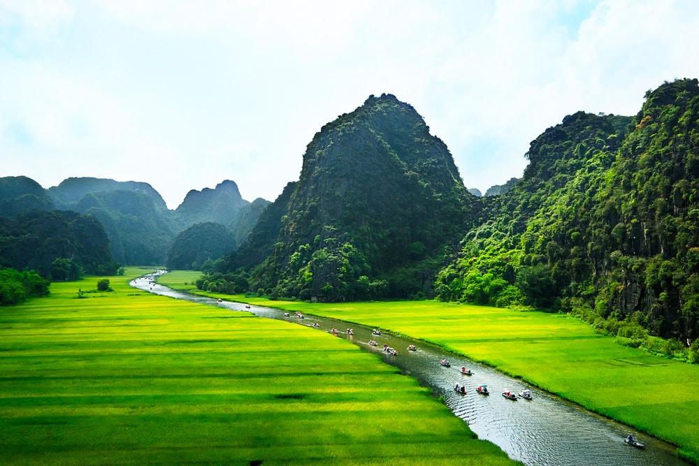 Stunning_Tam_Coc_river