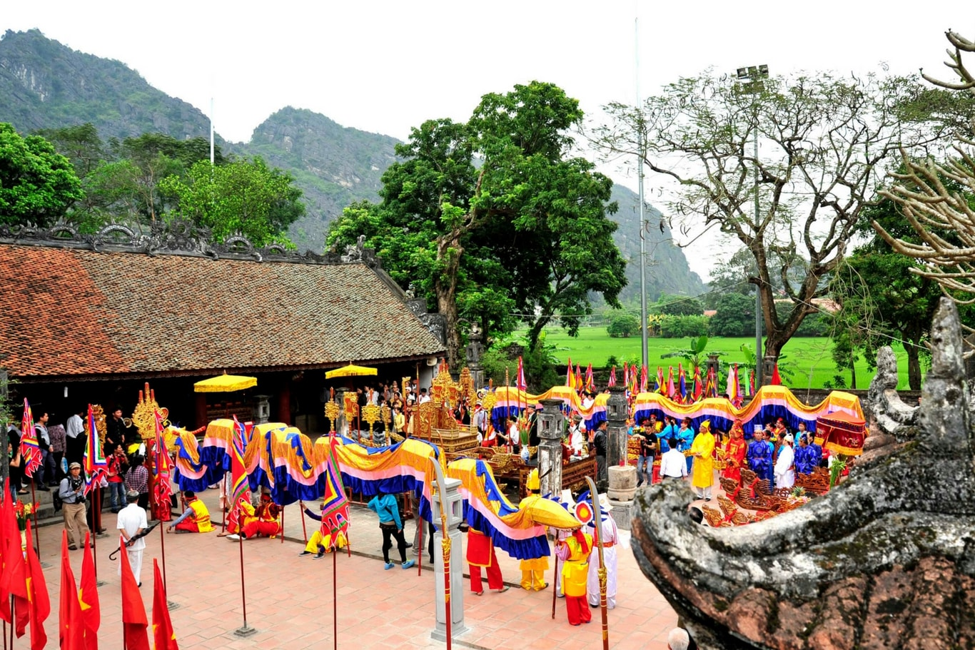 festivals-in-hoa-lu-ancient