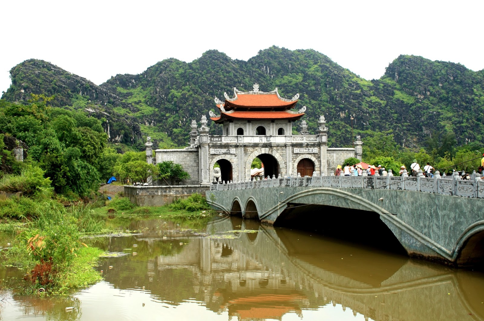 the-gate-to-hoa-lu-ancient-capital