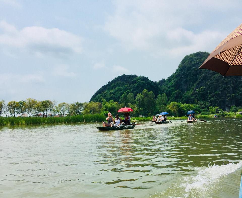 Tam-Coc-River-Tour