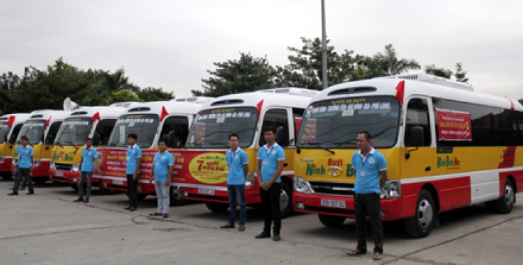 buses-in-ninh-binh-city