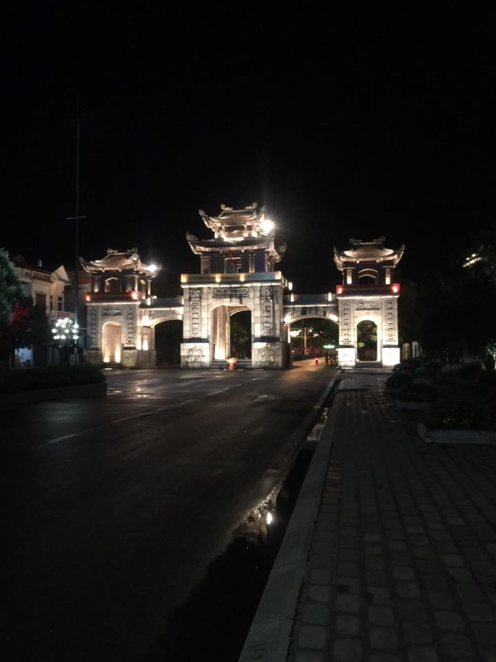 Hoa-lu-ancient-capital-at-night-life