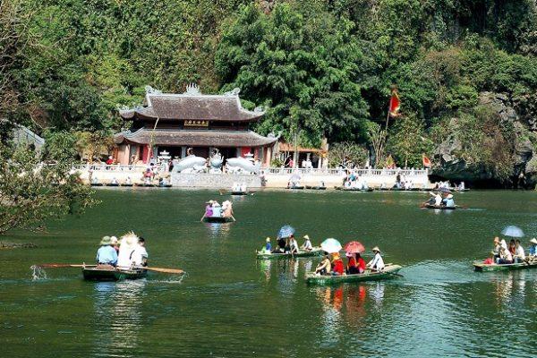 trang-an-eco-landscape-boat-tour