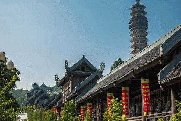 the-way-to-visit-to-bai-dinh-pagoda