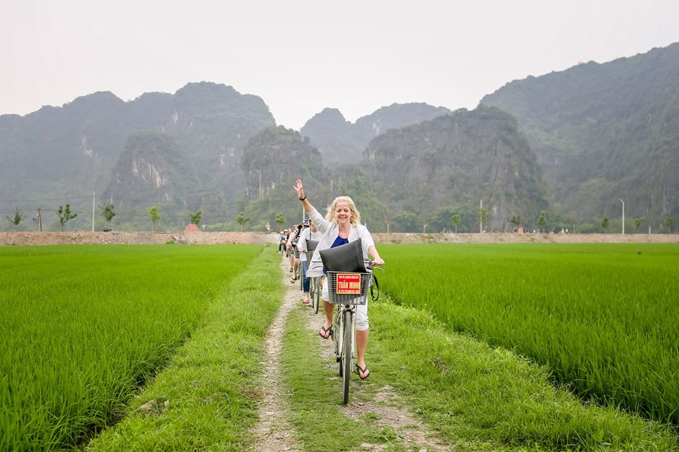 Riding-bike-on-countryside-at-tam-coc-mua-cave-tour