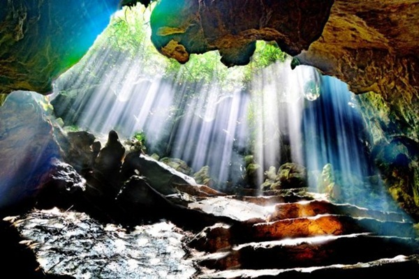 Thien-Ha-Galaxy-Cave-Ninh-Binh