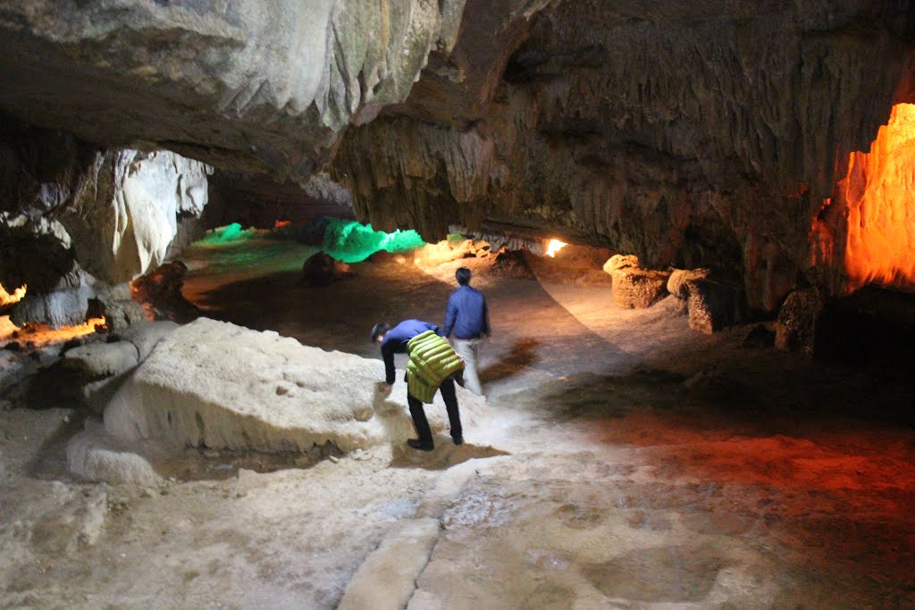Dry-cave-in-thien-ha-galaxy-caves