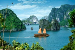 Ha-long-Bay-Day-Trip-from-Ha-noi