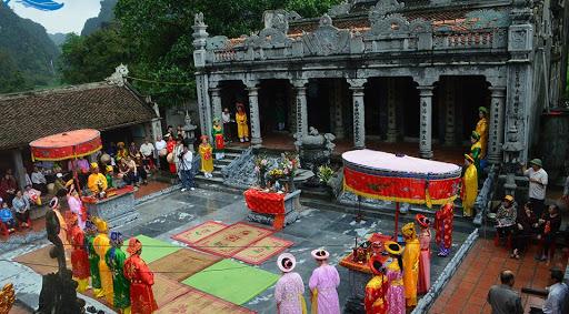 Festival-in-Thai-Vi-temple-Ninh-Binh