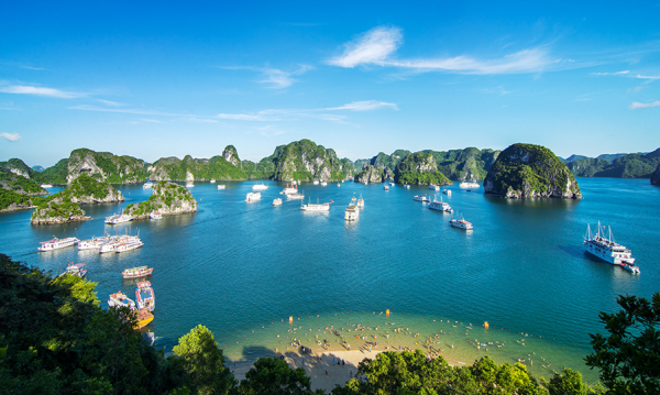 halong-bay-over-view