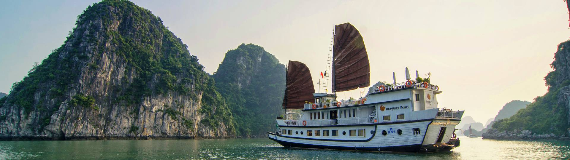 Indochina-junk-best-halong-bay-travel-agency