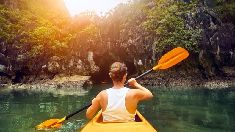 kayaking-in-halong-bay-best-way-to-explore-amazing-bay