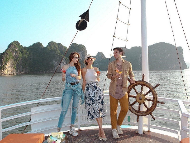 taking-photo-in-a-halong-bay-day-trip